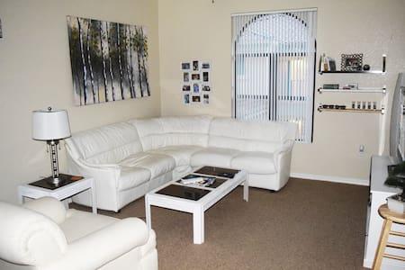 Modern Luxury Apt in Catalinas