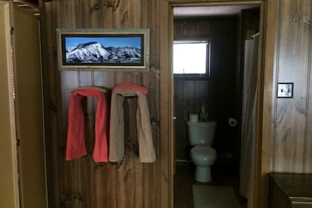 Wind Mountain Cabin, Rocky Mountain Front - Choteau - Cabaña