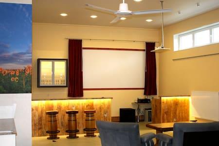 Wohnung mit Hallenraum - Casa