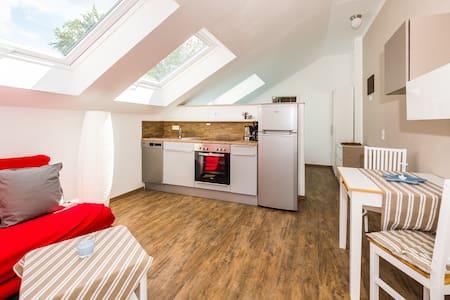 Moderne Wohnung 10 km zu Darmstadt Waldrand - Roßdorf - Pis