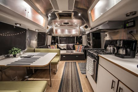 Airstream Oasis - Lower Greenville - Dallas - Camper/Roulotte