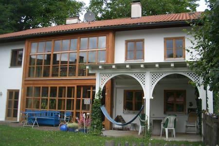 Großzügiges Einfamilienhaus mit Garten - Andechs - Hus