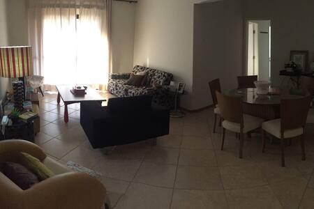 Apartamento no Condomínio Marrocos - Apartemen
