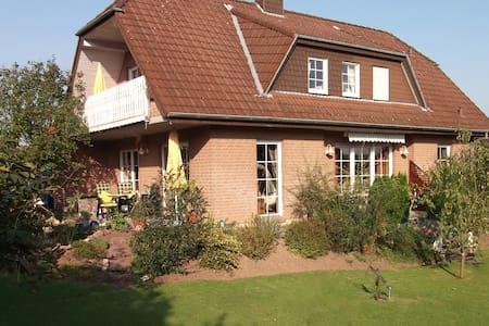 """Ferienwohnung """"Haus Alexandra"""" - Casa"""