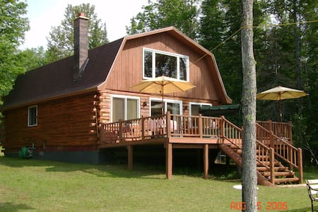 Log Cabin facing river - Cornell - Chalet