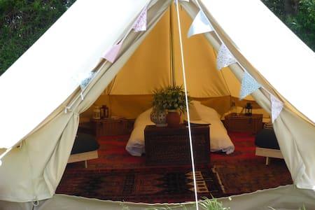 Furnished Canvas Bell Tent - Bowerchalke - Barraca
