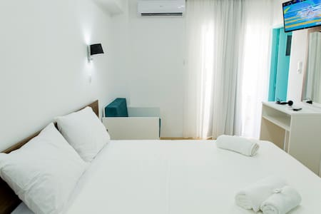 Central Petit Room 15sqm, Free Breakfast Comfy Bed - Kissamos