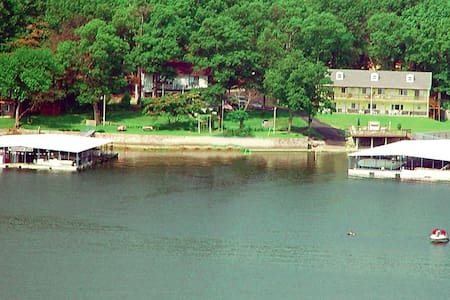 Grand Lake direct waterfront Home - Cleora - Apartment
