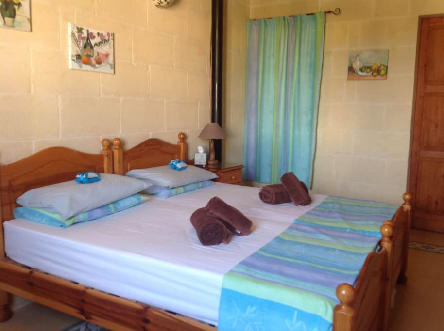 The Family Room has airconditioning/heating and heated under blankets on the adult beds in Winter.