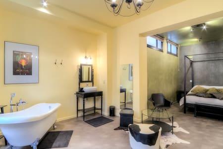 Grande Chambre Elégante CentreVille - Mons