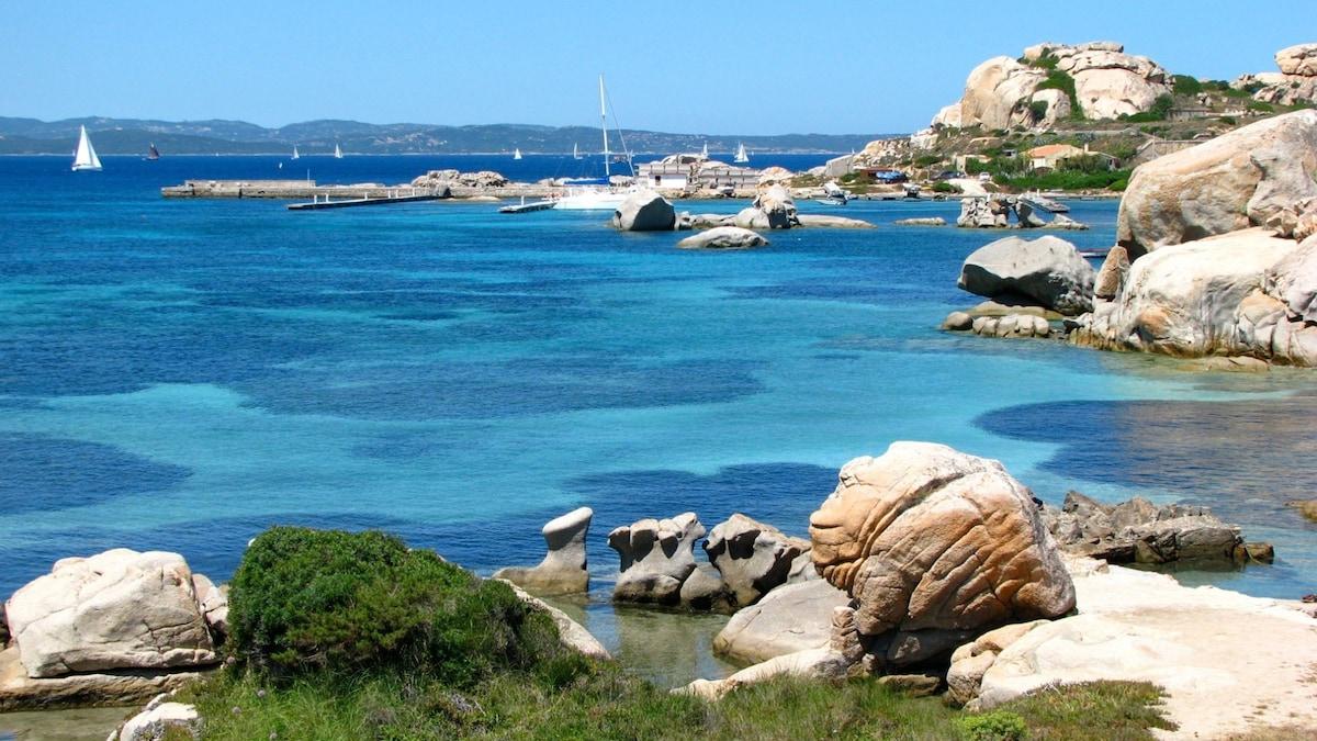 Olbia weather in October