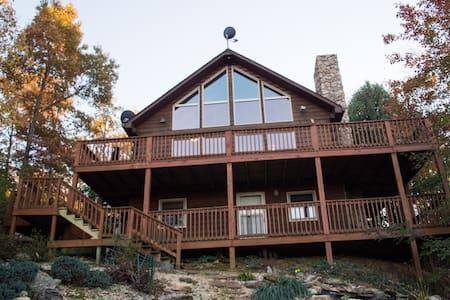 Woody's Mountain Retreat - 林奇堡 - 独立屋