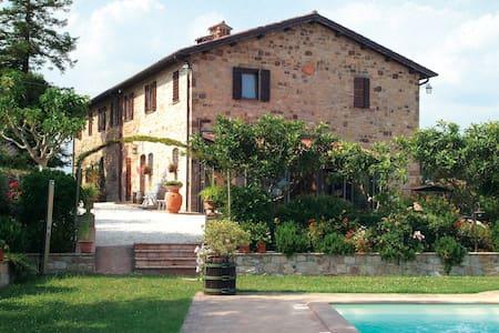 Appartamento in Casale Storico - Fratta Todina