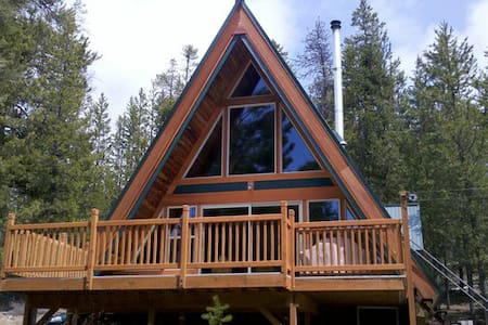 Pet-Friendly, Secluded Cabin on Crescent Creek - Crescent - Cottage