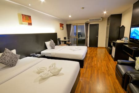 We are thrilled to offer you hotel standard accommodation at hostel prices. Located within 8minutes walk from Ekamai BTS station,enjoy living in a local neighbourhood offering many conveniences. Our 24 hours staffs happy to attend to your requests.