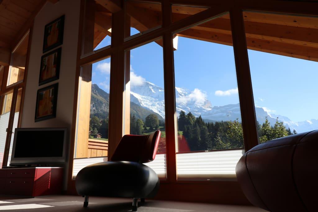 Breathtaking Views from Luxury Penthouse in Wengen