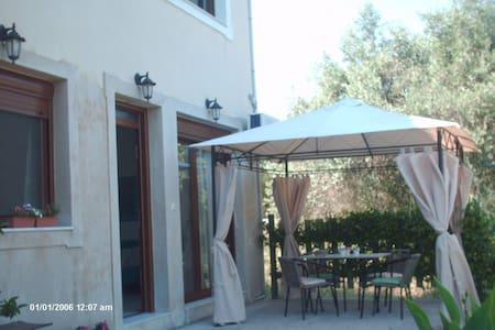 Gaia Guesthouse Skiathos Island - Leilighet