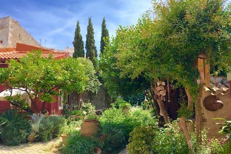 "Romantic Minoan Villa ""FILOXENIA"" - Heraklion"