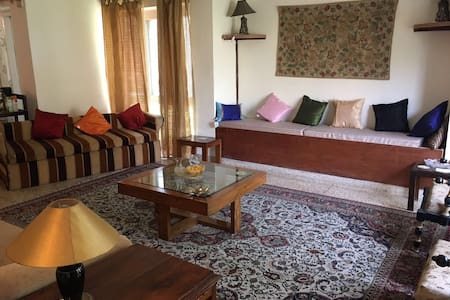 2 ensuite Rooms in Rajbagh, Srinagar - Srinagar - Bed & Breakfast