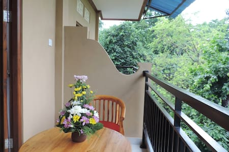 Room-Walking Distance to Yogabarn - Jero Pangkung - House