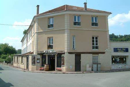Adorable studio proche de Versailles et de la gare - Flat