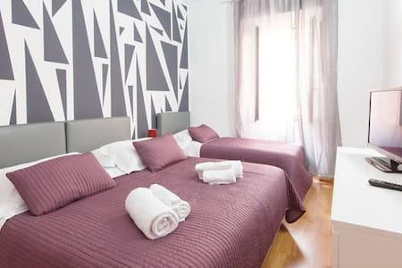 Charming apt. 2 min. from Coliseum - Apartment