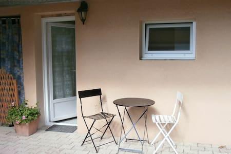 Studio meublé indépendant tout confort ! - Leilighet