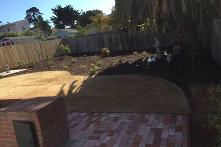 Clean new home fully furnished w fenced backyard - Baywood-Los Osos - House