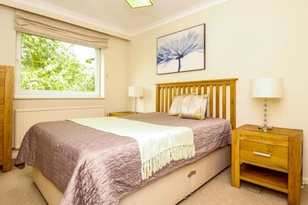 Sunny&quiet double room by OXF train station - Gehele Verdieping