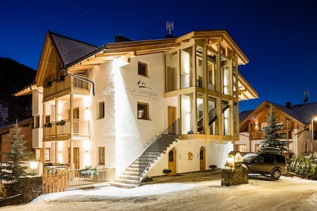 Villa Gardena - Imperial Deluxe Apartment - Selva di Val Gardena
