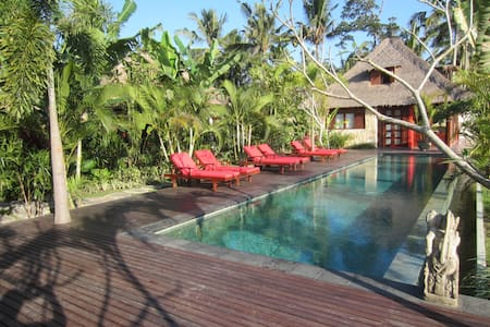 7BDR Bali Harmony villa near center