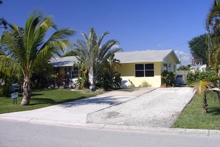 Charming neighborhood house, near park & beaches - Hobe Sound - Ház