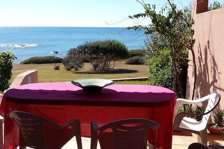 Deliziosa villetta frontemare - Porto Corallo