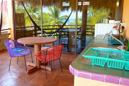 Colorful La Punta Apt w/ Beach View - Lägenhet