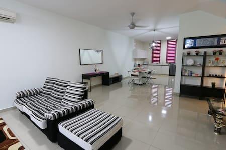 Casa avenue @ Bangi Avenue - Ház