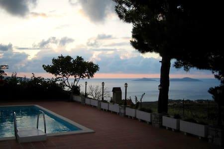 Family friendly & quiet villa - Villa