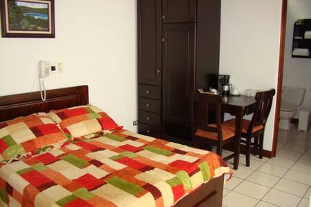 Hotel & Boutique Hojarascas