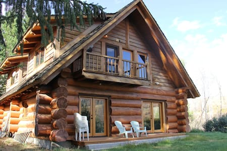 Gorgeous Creekside Cabin on Exclusive Ranch - Twisp