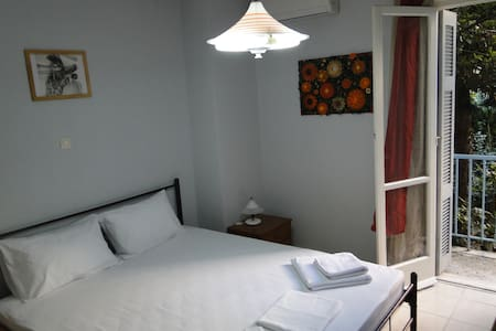 Panos House -2 Bedrooms apartment in Athens, WI-FI - Zografou