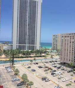 Ocean View Private Room In Hallandale Beach - Lakás