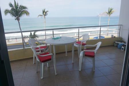 2 Bedroom Oceanview on the Malecon - Mazatlán - Apartament