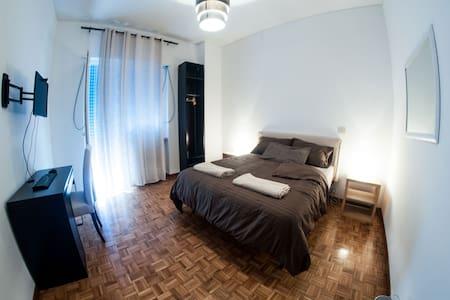 La Corte Sconta B&B Roma - Roma - Bed & Breakfast