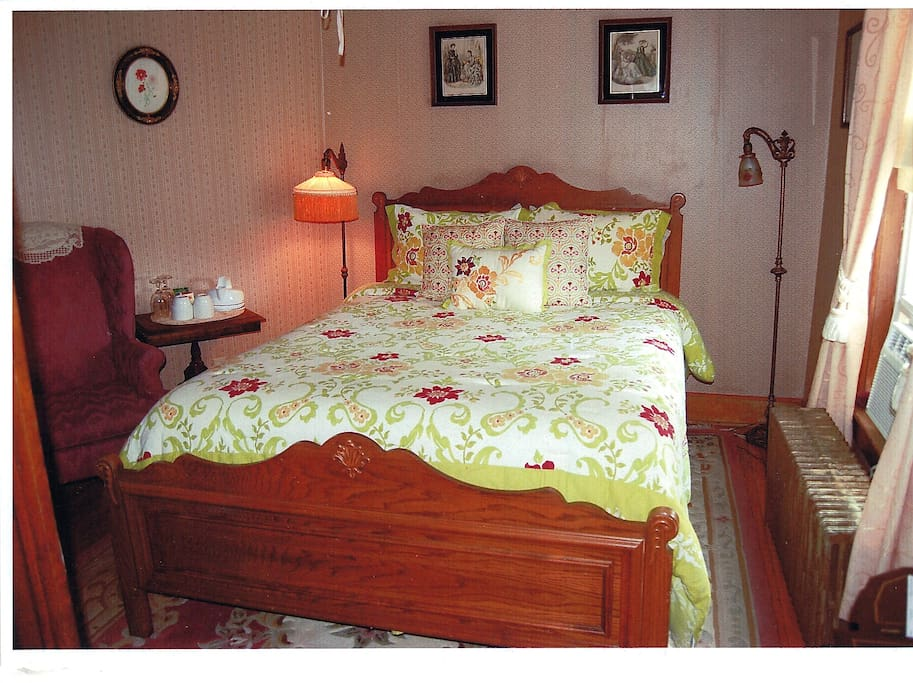 The Oak room has a queen size bedroom and private bath ensuite