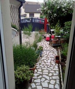La Chaleureuse - Vigneux sur Seine - Vigneux-sur-Seine - Hus