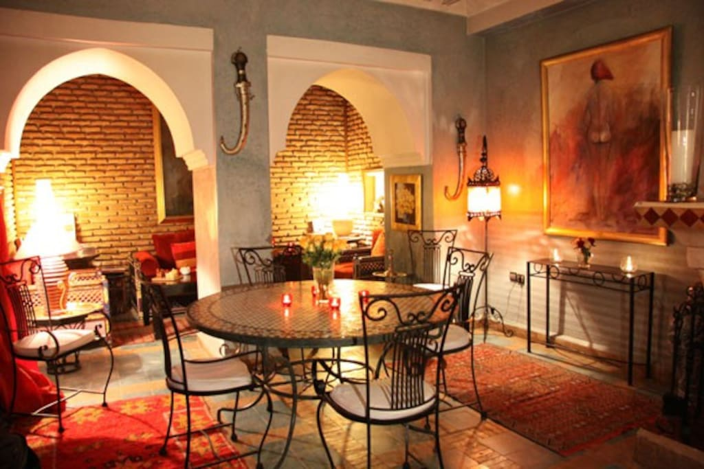 The Riad's dinning side