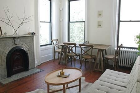 Charming Rental in Brooklyn Heights