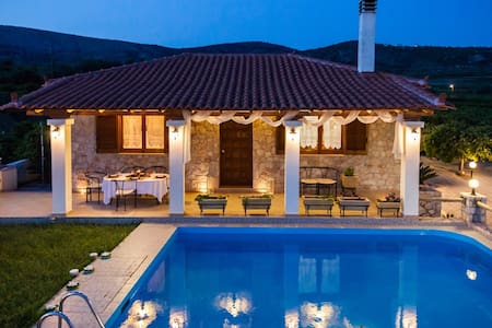 Private Villa with Swimming pool - Drepano - Villa