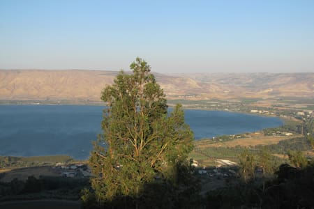 Spacious room near Lake Tiberias - Casa
