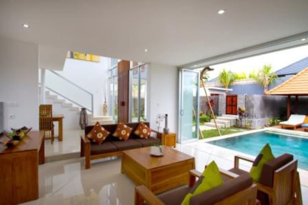Modern Bali Villas around Semyniak