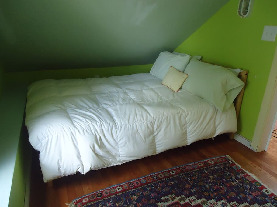 Another shot of the bedroom.  Full sized bed.